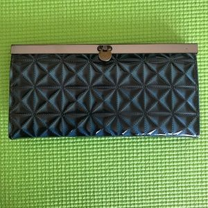 Handbags - NWOT blue green wallet